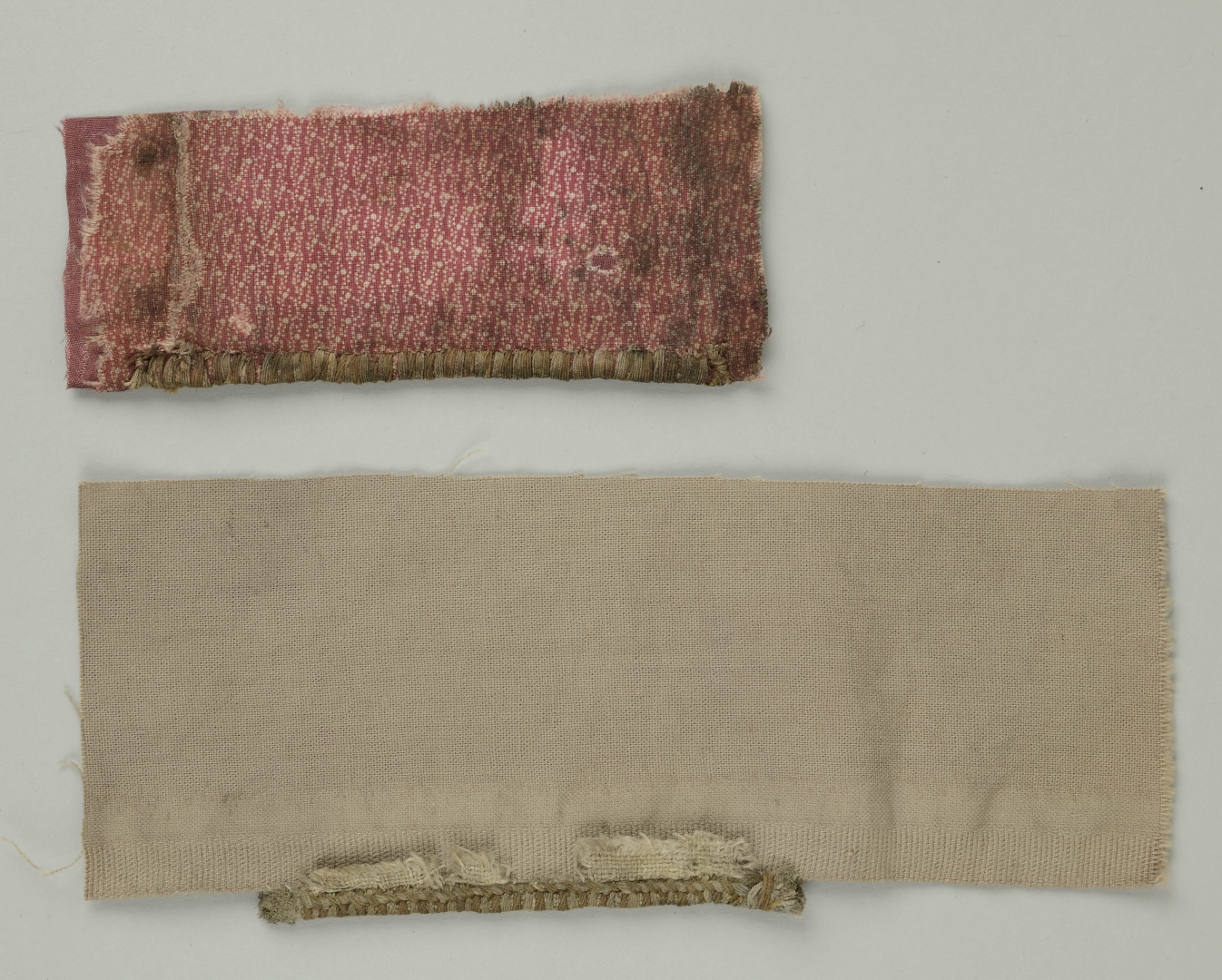ill 34. As the initial backing textile of both headbands was different, they were lined with linen and cotton fabrics. © Tulvi Turo