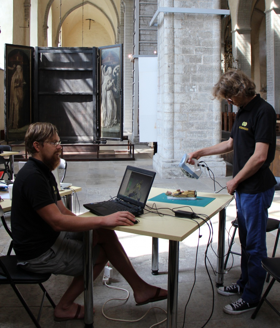 ill 2. Archaeovision R&D team tested 3D scanning of the wooden sculpture in Tallinn St Nicholas' Church.
