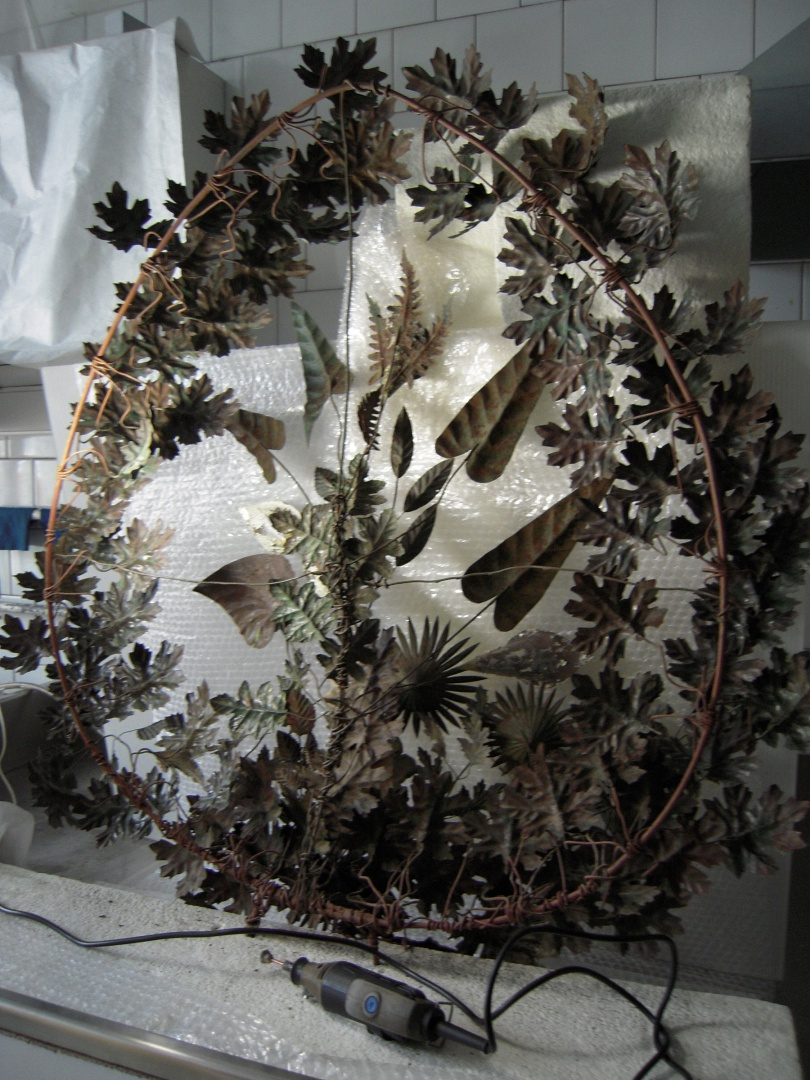 ill 10. The reverse side of the wreath. The corroded surfaces were cleansed mechanically with a mini-drill.