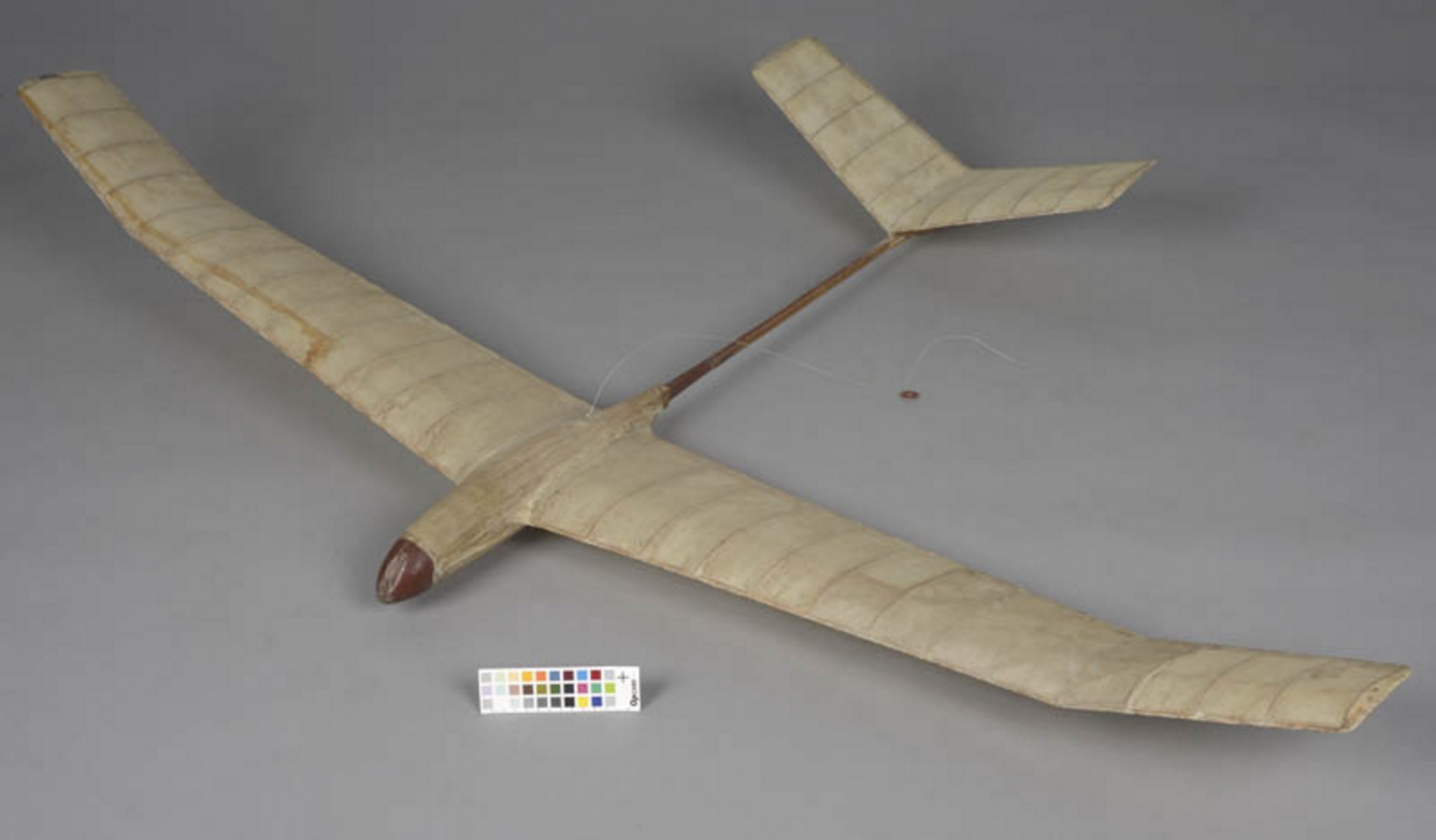 ill 17. Model plane 2 after conservation