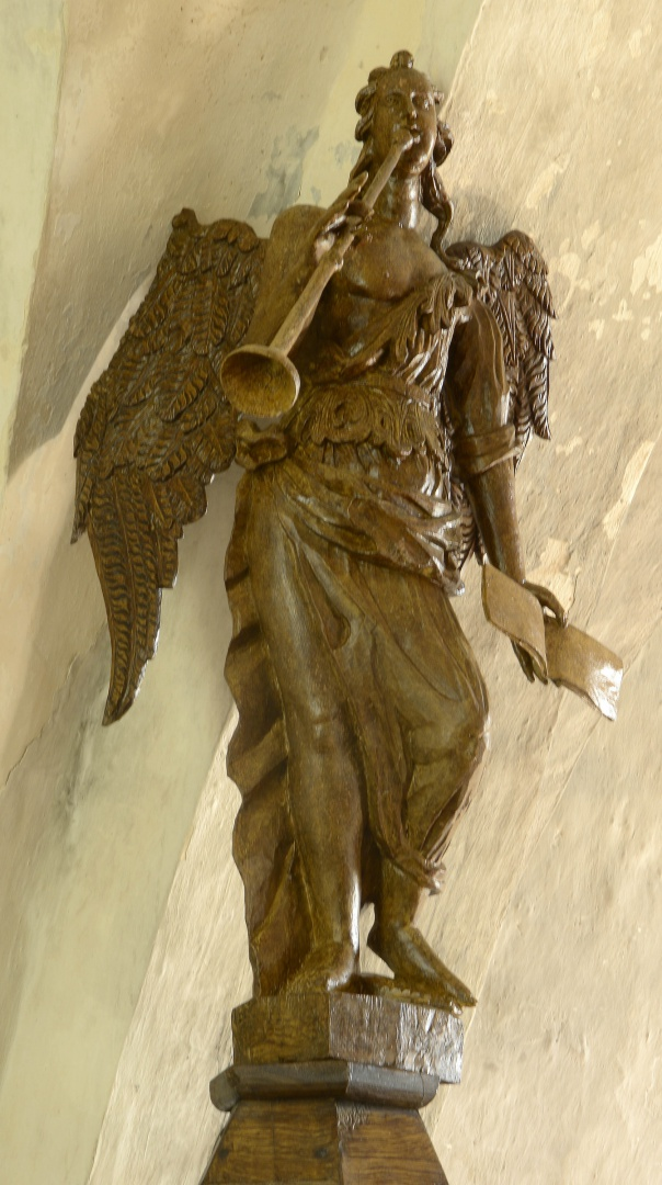 ill 18. The figure after conservation was replaced on the canopy.