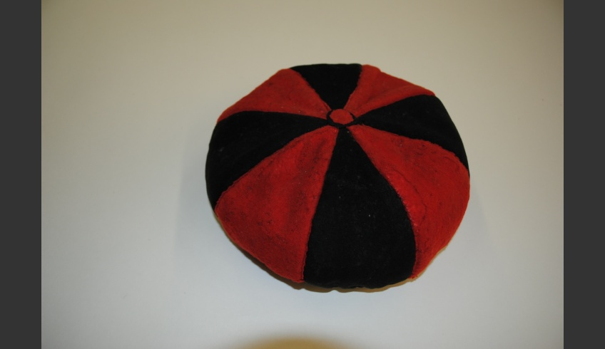 fig 62. A cap of gores from the Pärnu Museum collection. Pä-Mu E 708-5. The men's summer cap made of 5 to 6 gores must have been the forerunner of the baby cap of gores. This cap that was initially worn only by men became a boys' cap during the 19th century (sometimes it was worn also by girls). At some places this kind of cap was finally worn by old women.