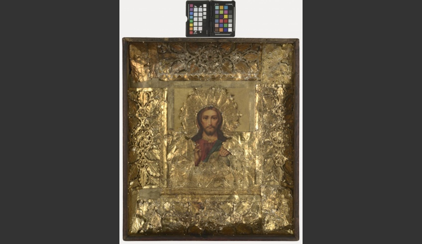 fig 16. When all the details had been conserved, a big 3D puzzle was to be assembled. The metal cover consisted of sixteen loose details and the base paper of nine old and new pieces. The box got a new glass cover that would protect the conserved icon from dust and environmental influences. The whole looks dignified and completed now.