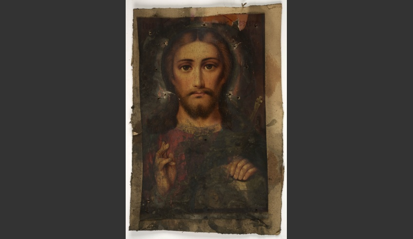fig 2. The icon inside the box, 24 x15cm in size that, at closer inspection, occurred to be a coloured photo reproduction, carelessly coated with varnish.
