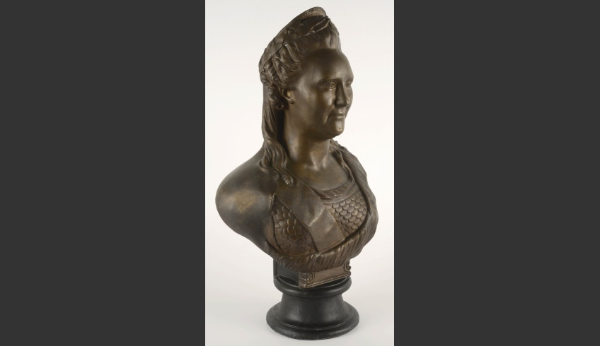 fig 15. Conservation completed. View of the bust of Catherine II from the side of the remodelled shoulder.