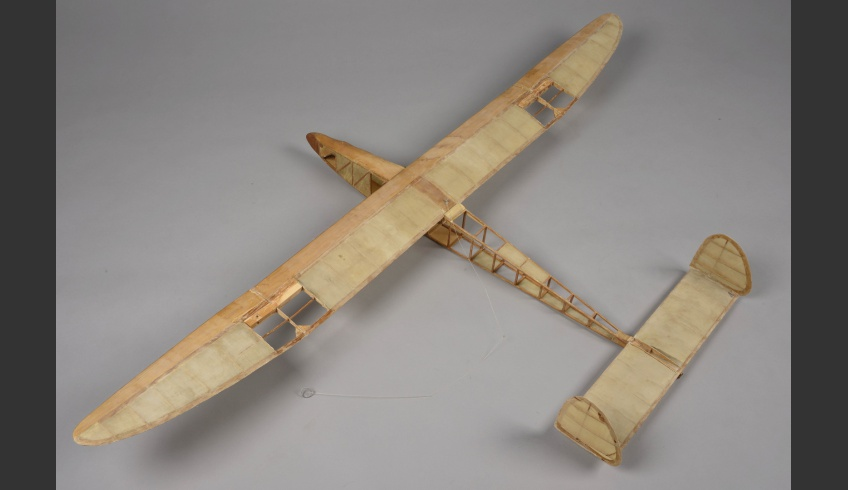 ill 8. Model plane 1.The torn silk covering was removed from the structure.